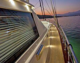 Yacht Charter,
